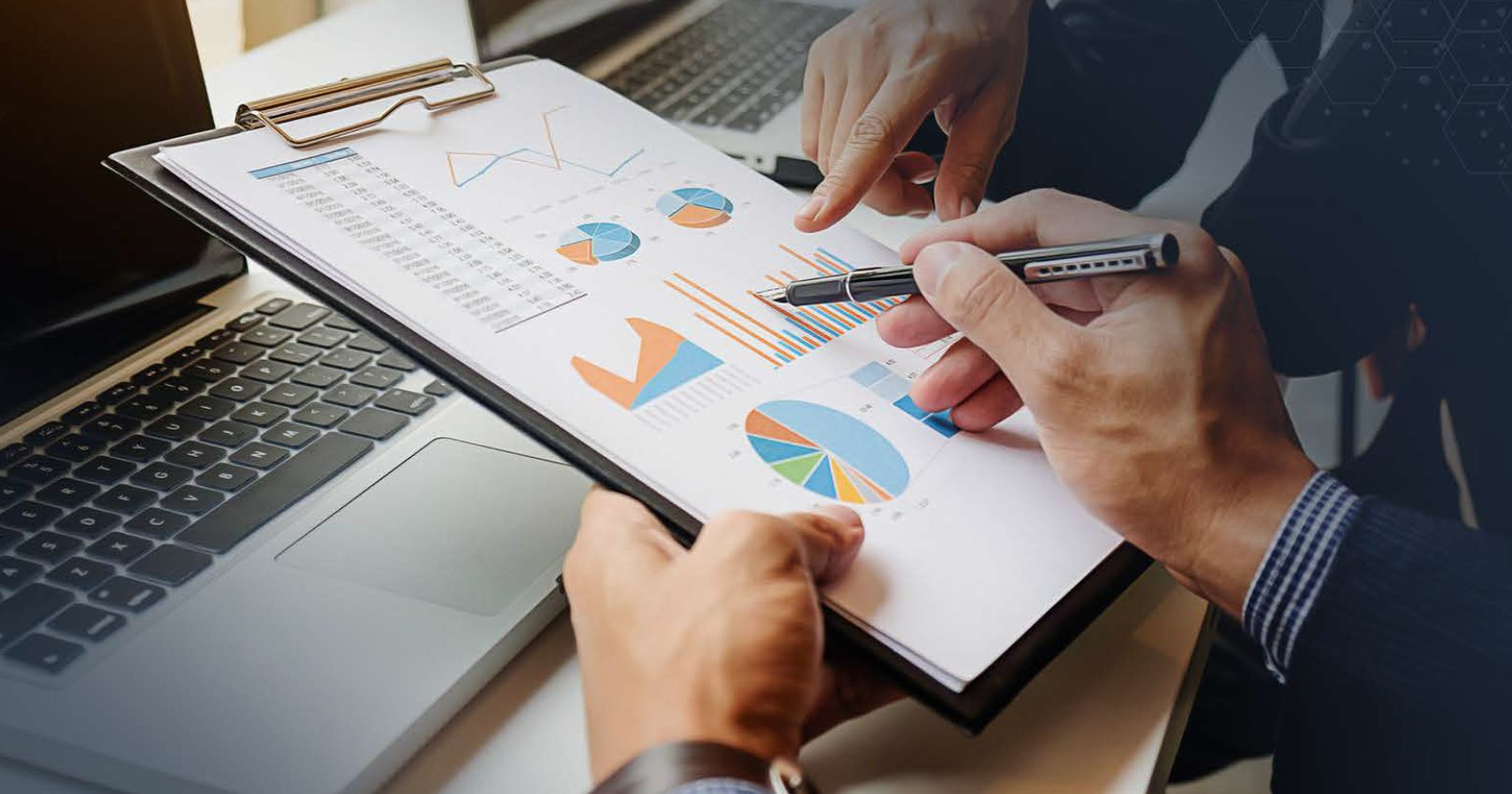 What Is an Investment Banking Advisor?
